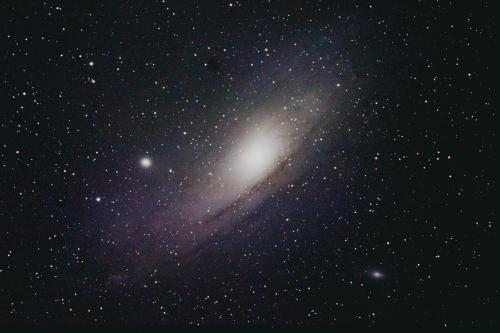 无限接近光速的飞船,去一趟250万光年外的仙女星系,只需28.7年