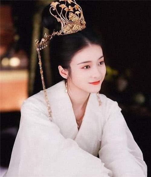 张雪迎新剧《白发皇妃》来袭,李治廷硬朗霸气,罗云熙又虐恋一世