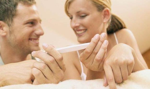 """怀孕期间,""""夫妻生活""""怎么解决?其实,你应该试试这样做!"""